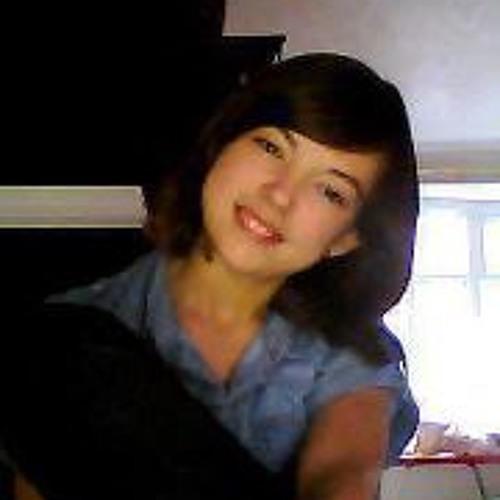 Lauren Bentley 3's avatar