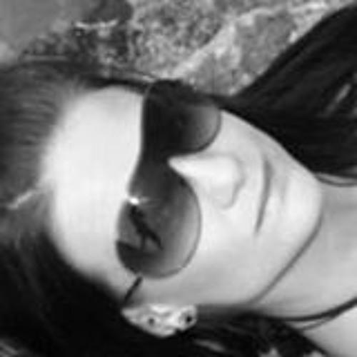 Julia Fischbach's avatar