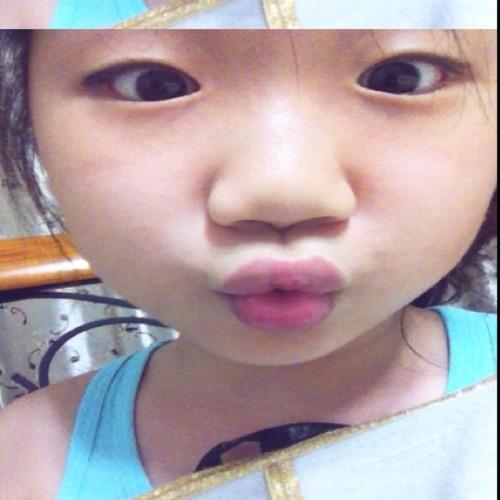 yoonsu kim's avatar