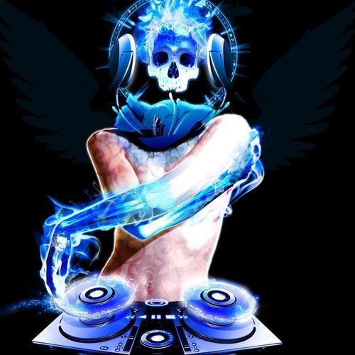 Nik theman's avatar