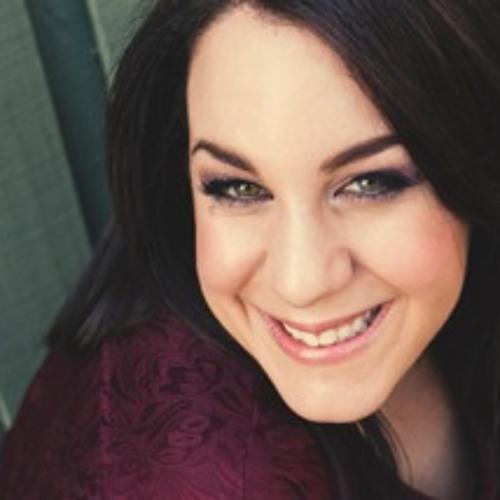 Julia Michaels's avatar