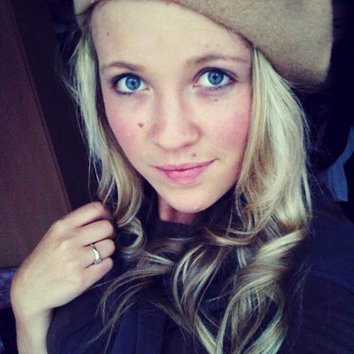 Daqna Dimitrova 1's avatar
