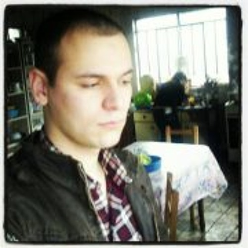 Robson Chiarello's avatar