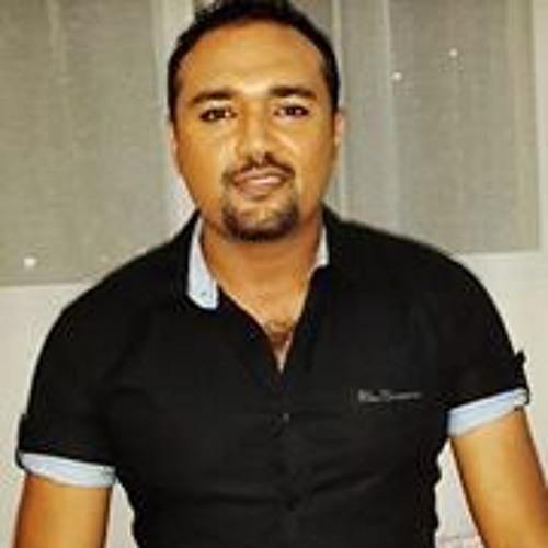 Numeir Khan's avatar