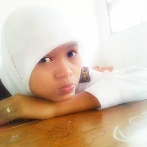 Isti Azqia's avatar