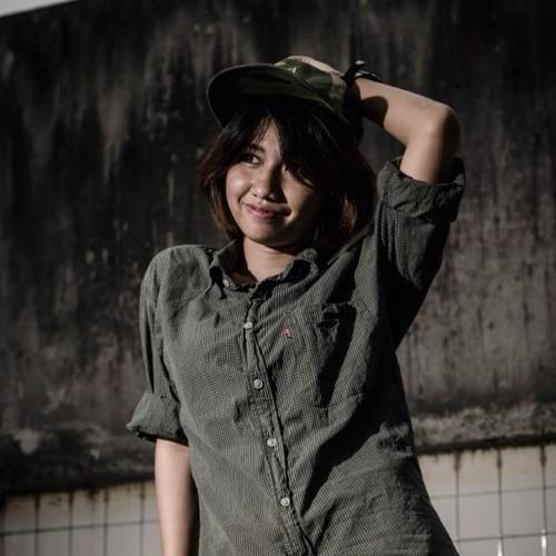 Lena Julyana's avatar