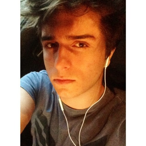 henriquec4stro's avatar