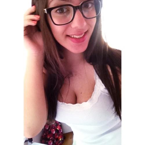 Victoria Dirane's avatar