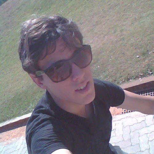 Felipe Simoes 14's avatar