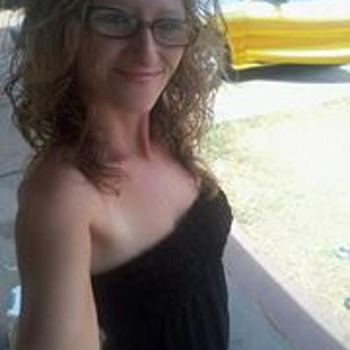 Lois Eastham's avatar