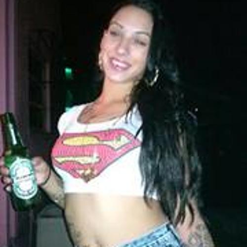 Yesenia Valladares's avatar