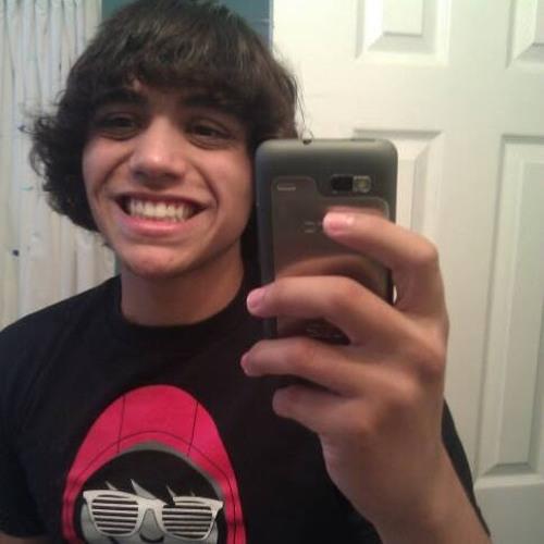 Lucas Cabral 20's avatar