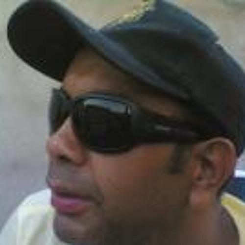 Julio Moraes 6's avatar