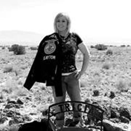 Tricia Sisneros's avatar