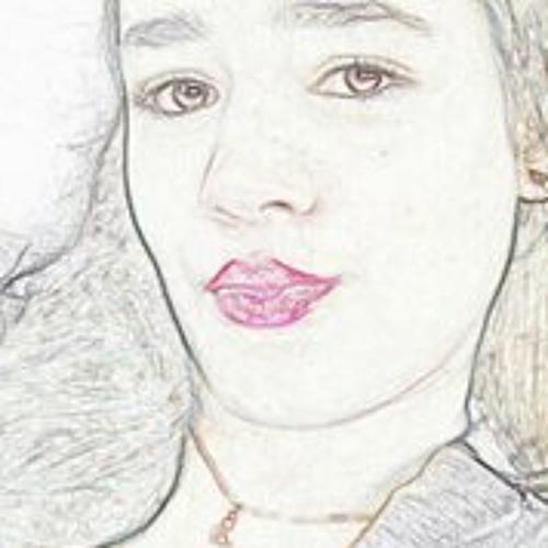 Stephany Pires's avatar