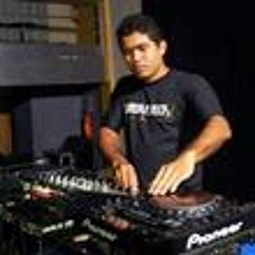 Luis Maciel 4's avatar