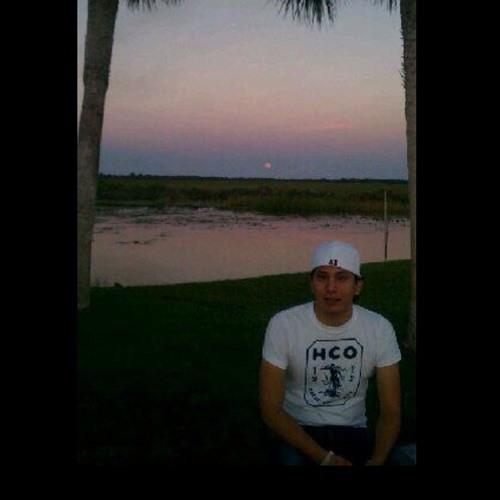 Paulo Ponce's avatar