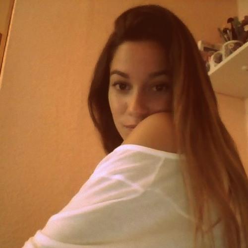 Andrea Navarro Ramirez's avatar