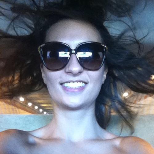 r__alejandra.'s avatar