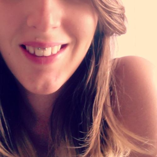 Pauline Mandarine G R's avatar