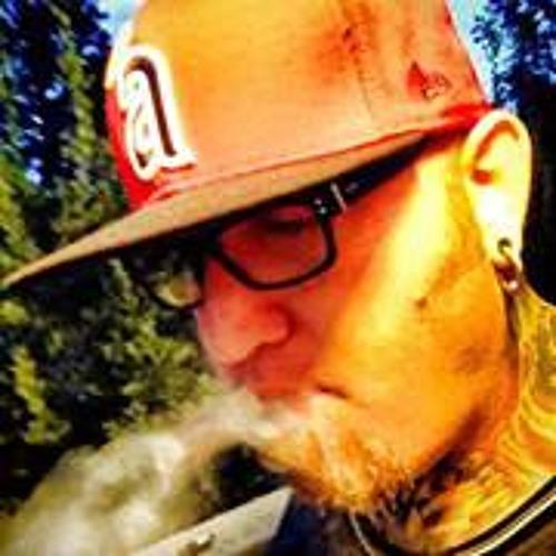 Rich Harris 7's avatar