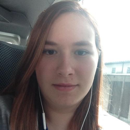Ana Carolina Bortolini's avatar