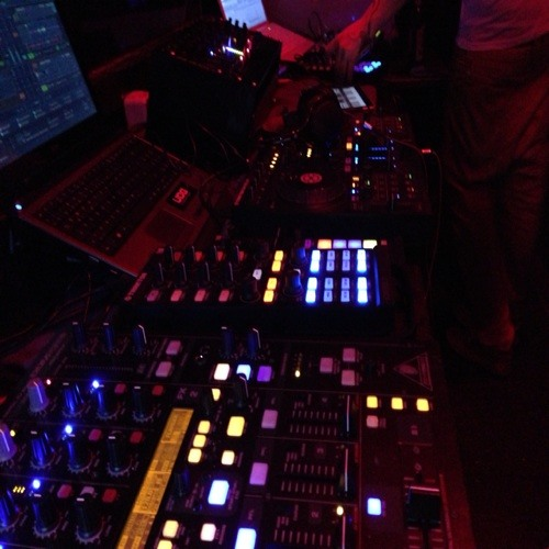 Louis_Garcia_ft_Sidney King - S&L Electro Mix 2012.mp3