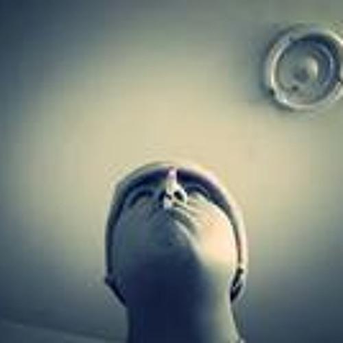 Zeeo Seergio Levanoo's avatar