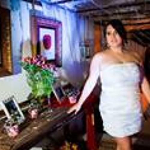 Gabriela Dutra 7's avatar