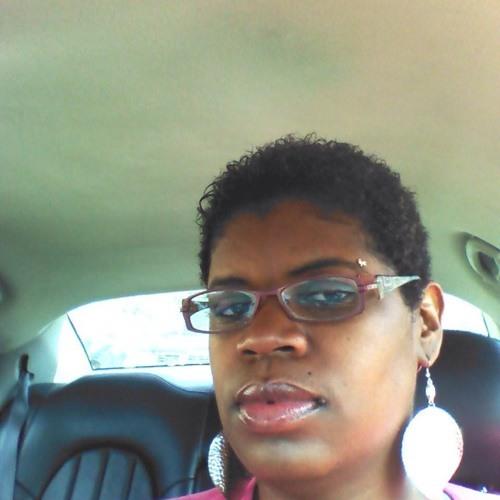 Maggie Smith 18's avatar