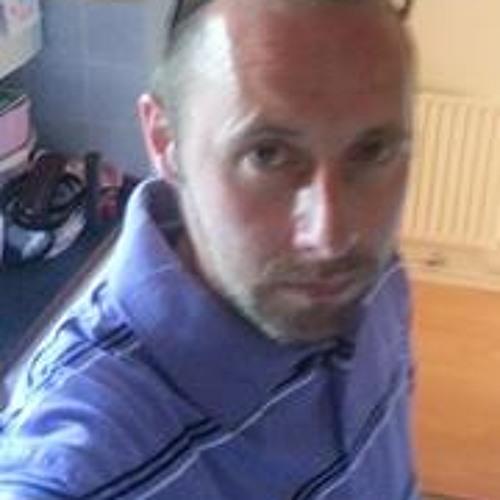 Simon Barnett 3's avatar