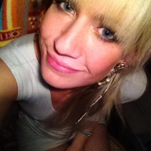 Ashley Ballantine's avatar