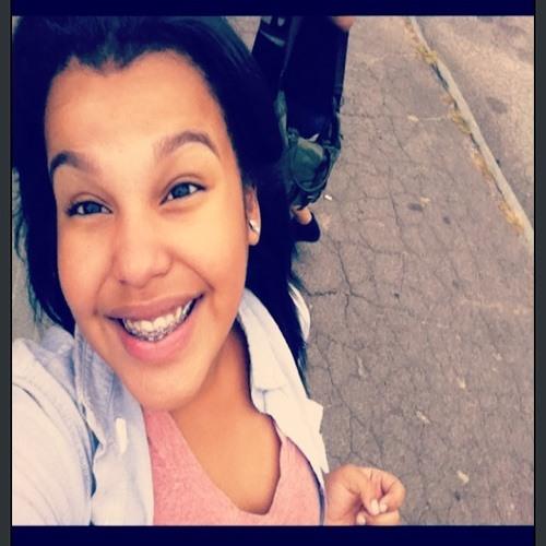 Yeiliza_'s avatar