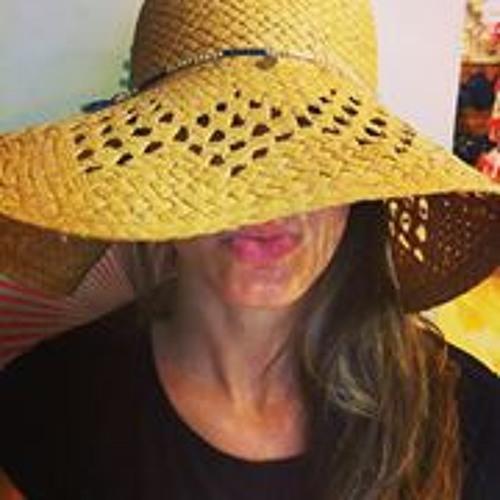 Maria DeLa Paz Almagro's avatar