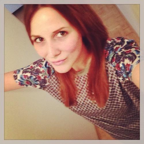 Carina Pe's avatar