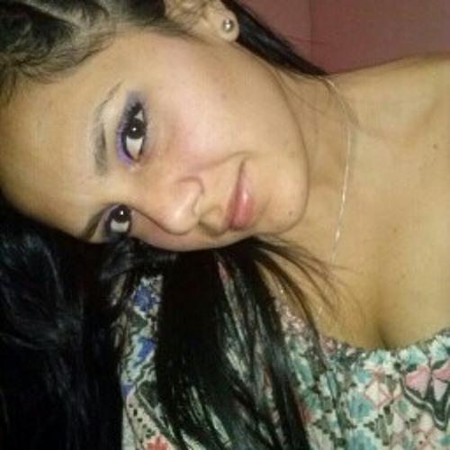 Karla Pretell's avatar