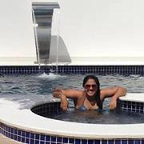 Thais Pereira 28's avatar
