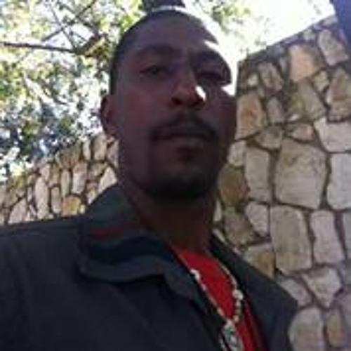 Villahjah Villarson's avatar