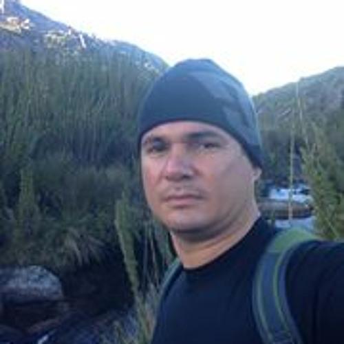 Cesar Santos 42's avatar