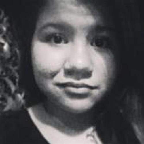 Isabela Cardoso 10's avatar