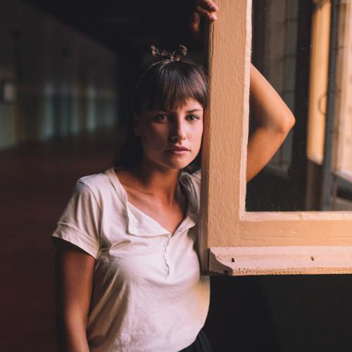 camila r's avatar