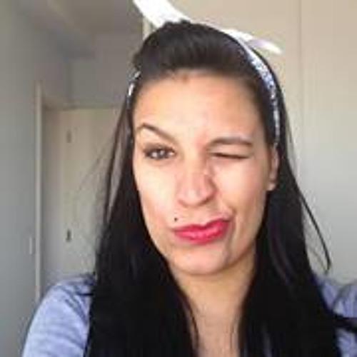 Juliana Palhano's avatar