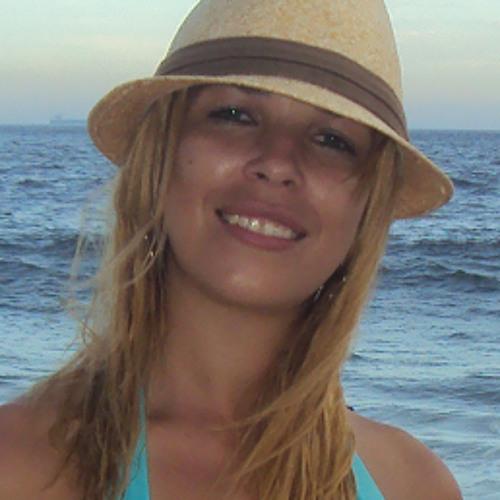 Heloísa Cunha's avatar