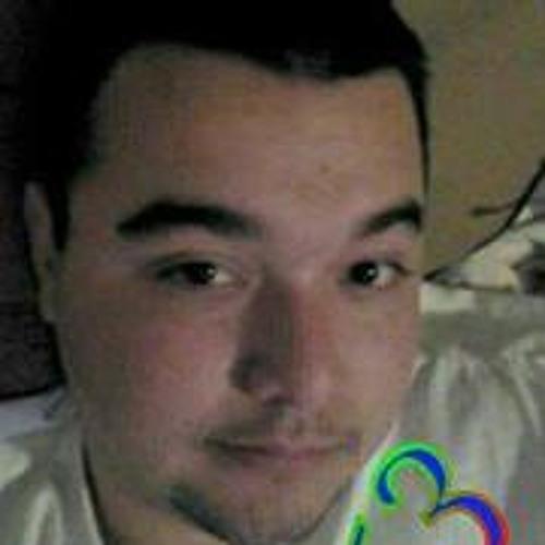 Luie Ravelo's avatar