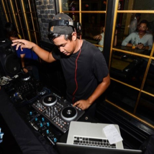 Vic Diaz De Rivera's avatar