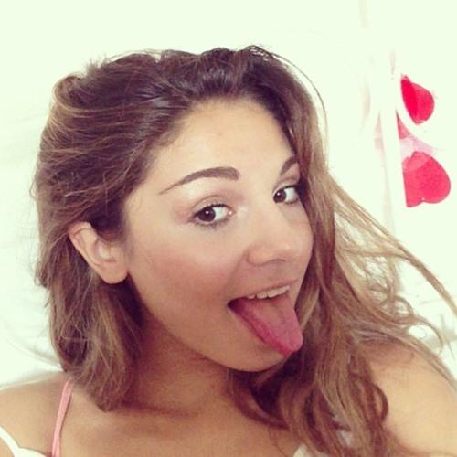 Amira Isabella's avatar