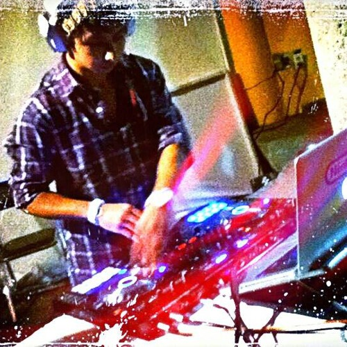 Gio Santini's avatar