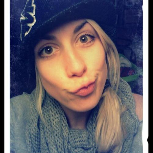 Nadine Henn's avatar