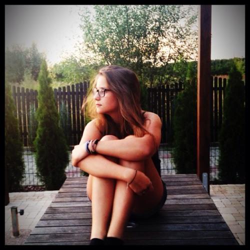 •Julia Febray•'s avatar