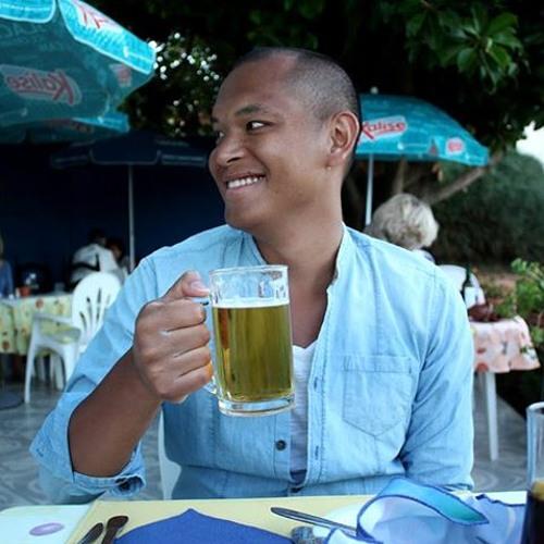 Tom Tungyai's avatar